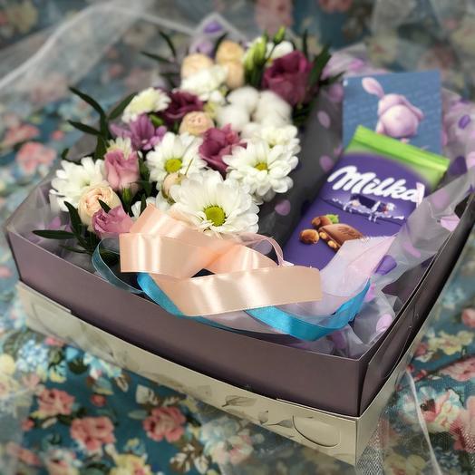 Цветочная коробка с шоколадом