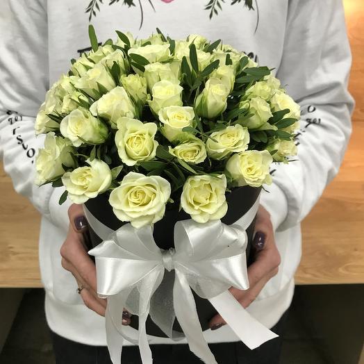 Коробки с цветами. Кустовые розы.N348: букеты цветов на заказ Flowwow