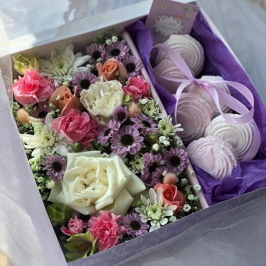 Цветы в коробке L с зефиром