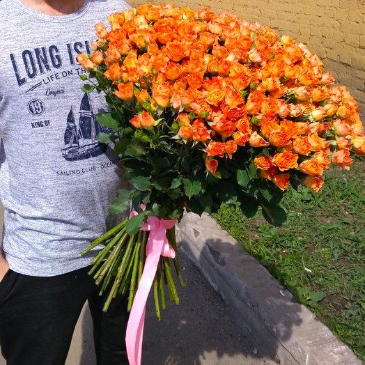 79 оранжевая кустовая роза: букеты цветов на заказ Flowwow