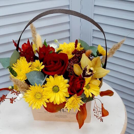 """Цветы в коробке """"Осенний поцелуй"""""""
