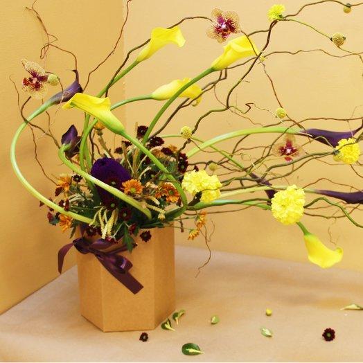 Цветочный ветер. из орхидеи и калл: букеты цветов на заказ Flowwow