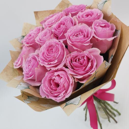 Ажурные розовые розы в крафтк