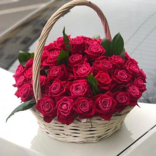 Большая корзина из 51 розы