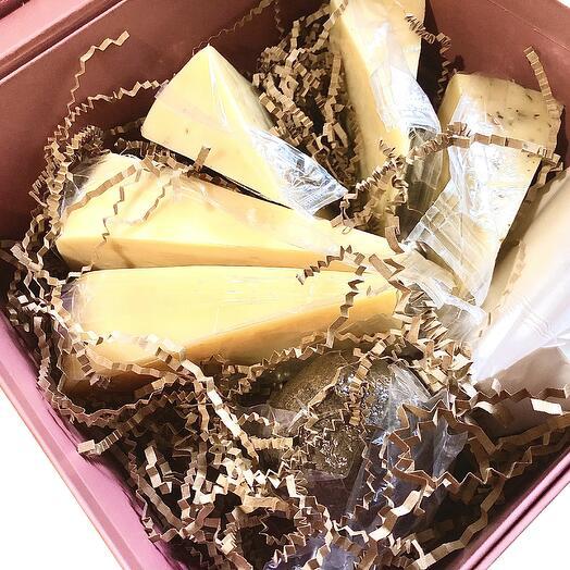 Подарочный набор элитных сыров номер 7