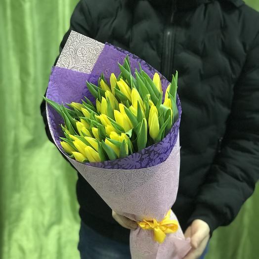Желтые тюльпаны в букете: букеты цветов на заказ Flowwow