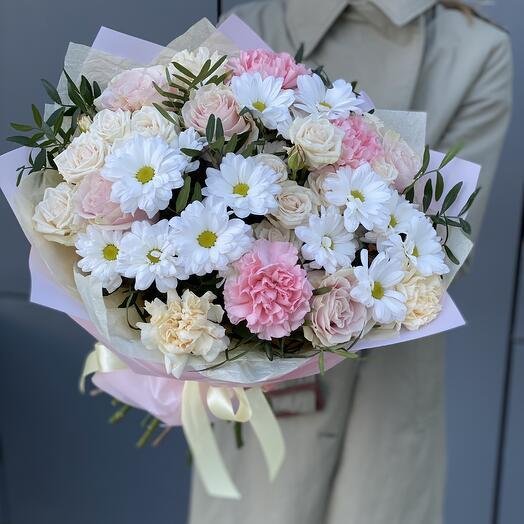 Букет Барселона из хризантемы, роз и диантуса