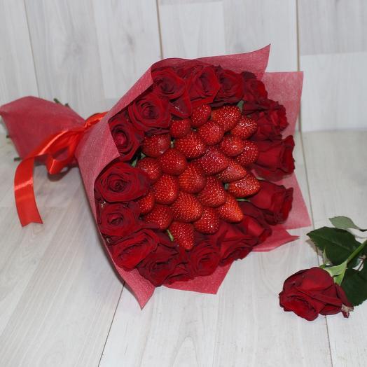 Букет из красной розы и клубники