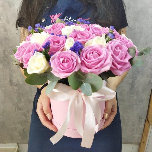 Шляпная коробка из 31 розы премиум