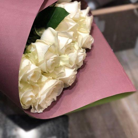 Букет из 11 белых роз в упаковке